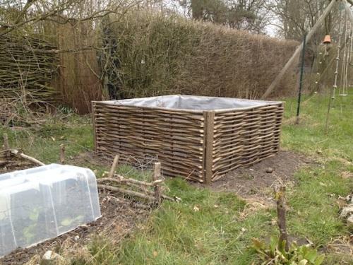 Où trouver 1m3 de terre végétale pour remplir mon carré de potager ? Crédit C. Delhaye